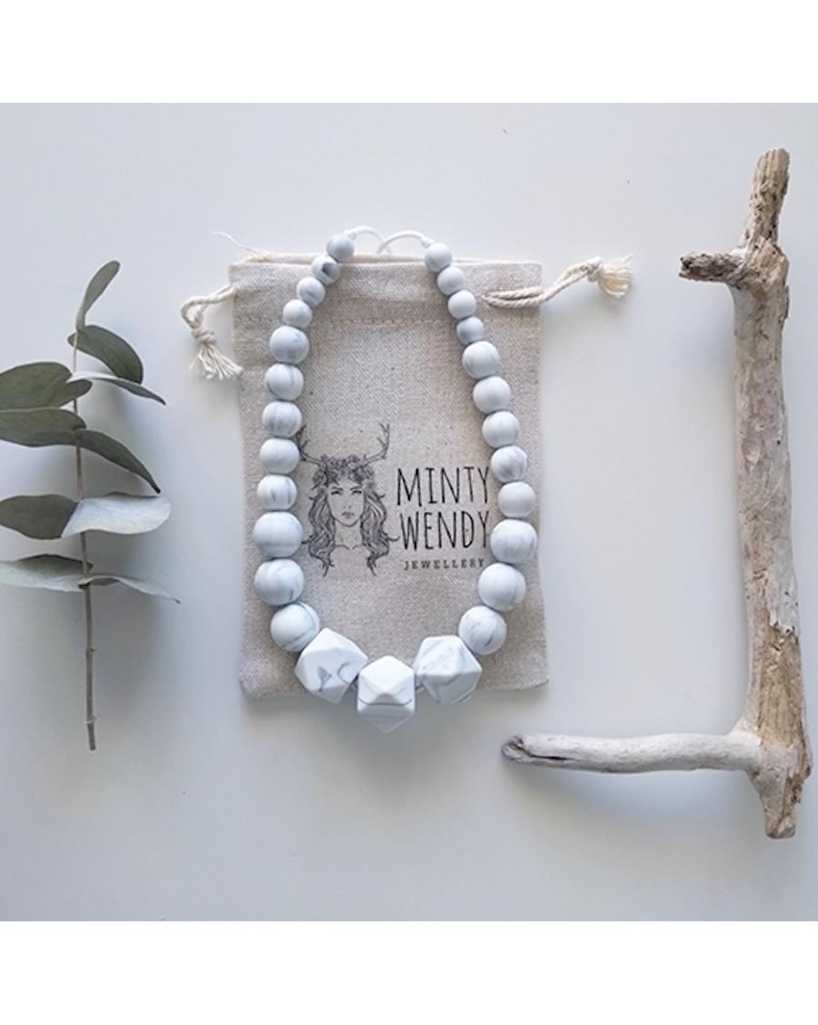 Mumtaz Mahal - Necklace for Teething & Breastfeeding - Minty Wendy