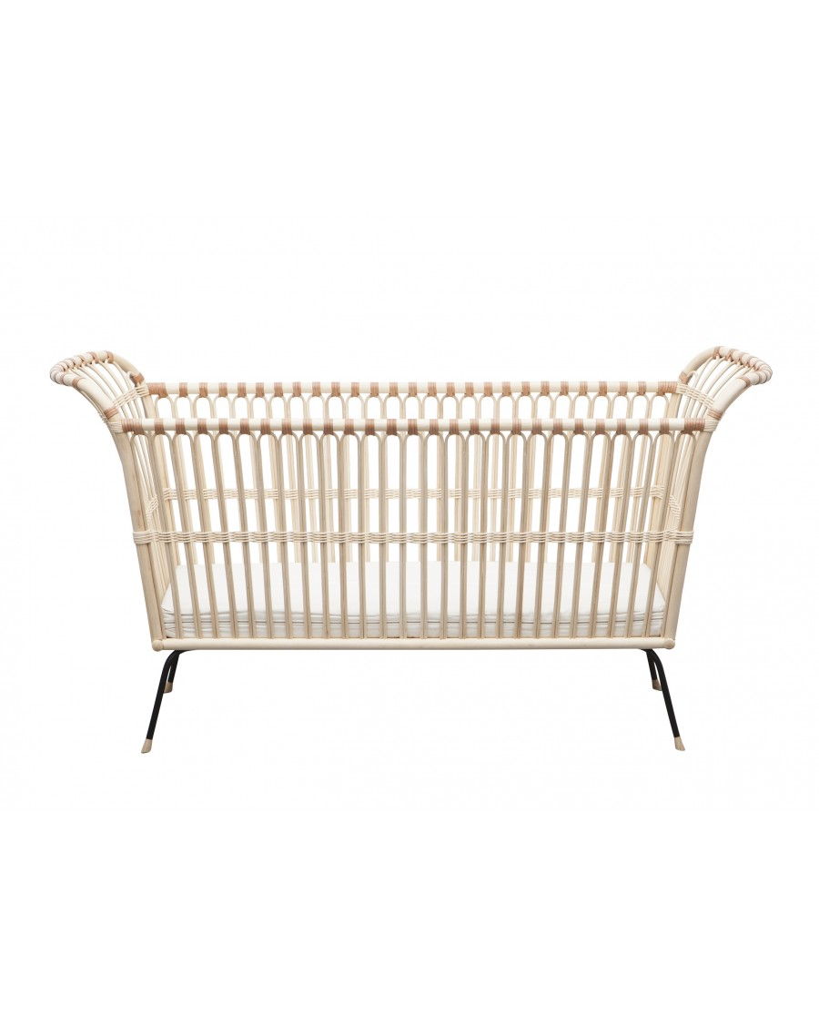 Handcrafted  rattan baby / toddler bed - Frederick | Bermbach | MyloWonders