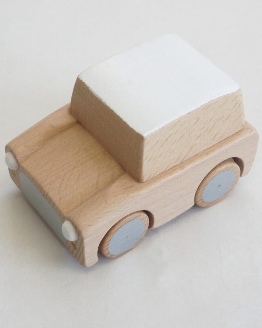 Wooden Wind Up Car - Natural - mylowonders