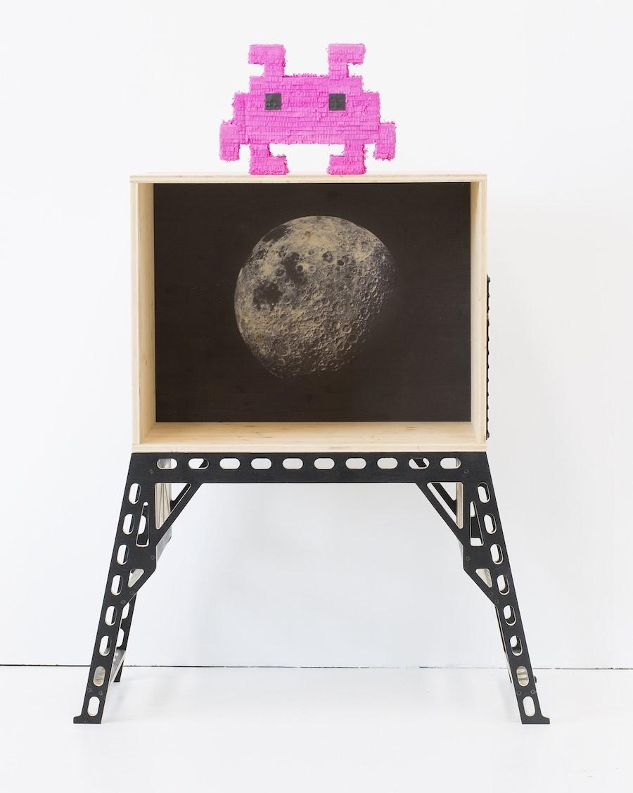 MOON ROCKET desk by XO in my room - MyloWonders
