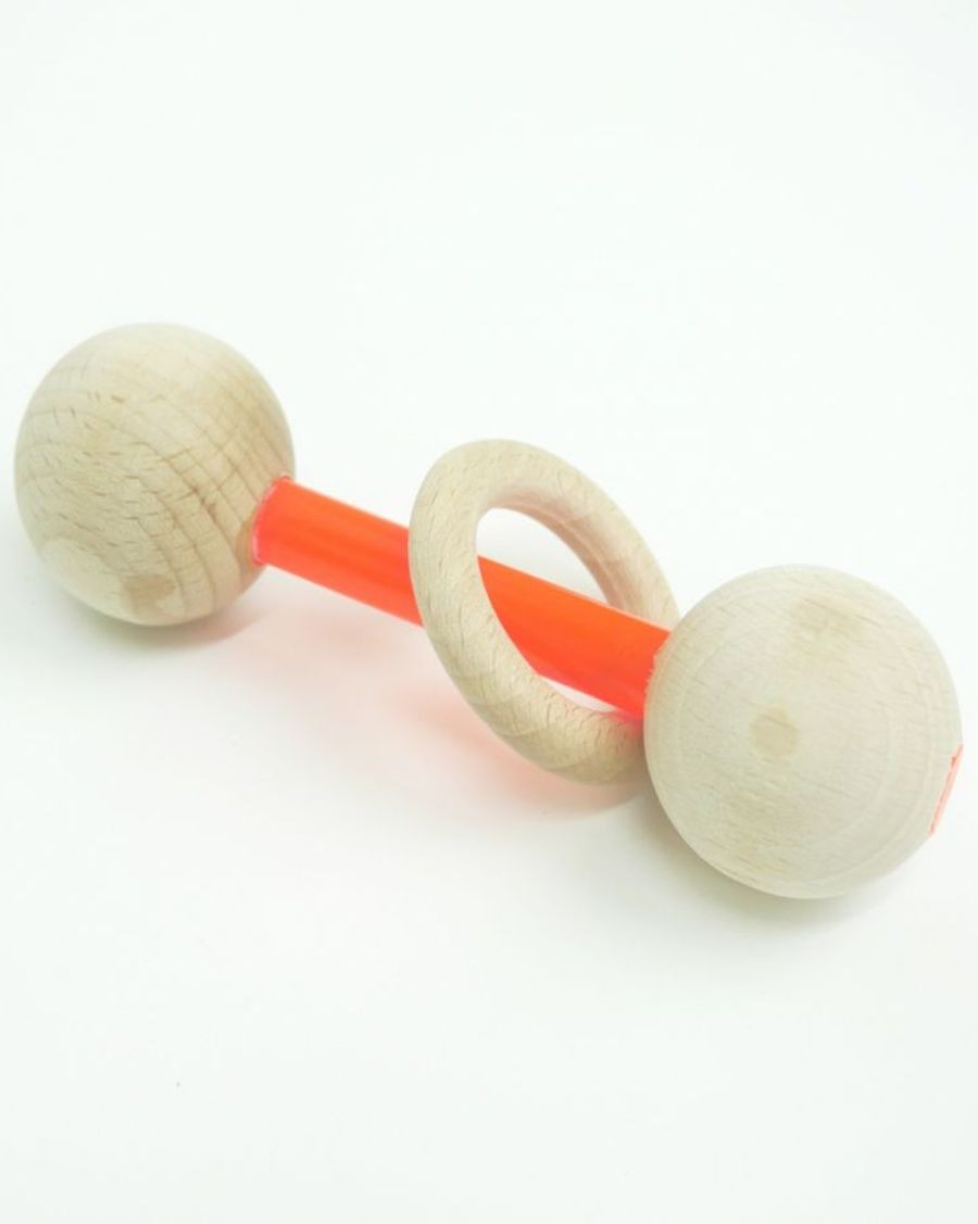 Baby rattle neon orange and wood ring - MyloWonders